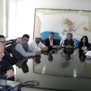 Με τον διευθυντή του εργοστασίου της ΒΦΛ συζητώντας τα προβλήματα και της προοπτικές ανάπτυξης της εταιρίας