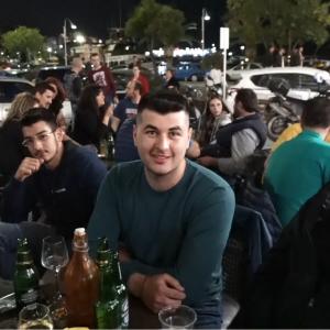 ΒΡΑΔΙΑ ΝΕΩΝ ΣΤΟ ΕΚΛΟΓΙΚΟ ΚΕΝΤΡΟ